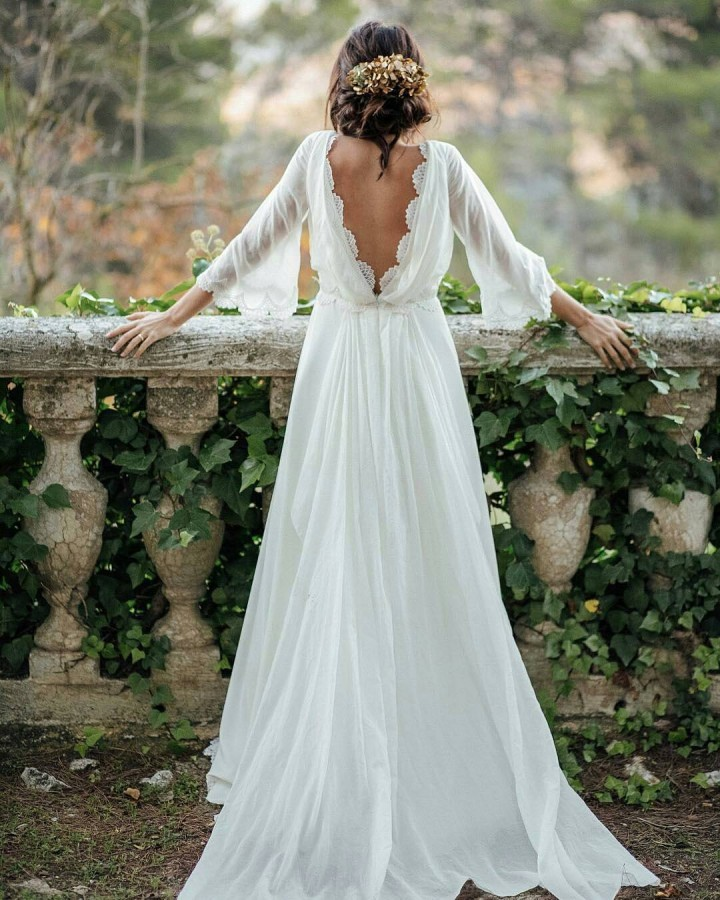 WEDDING DRESSES IN THE FIELD - Blog - LAVERSA Filmes